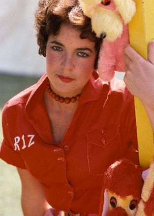 Retro Goddesses: Sandy vs Rizzo