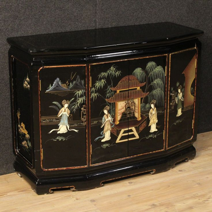 750€ French lacquered and painted chinoiserie sideboard. Visit our website www.parino.it #antiques #antiquariato #furniture #lacquer #antiquities #antiquario #sideboard #buffet #credenza #golden #gold #decorative #interiordesign #homedecoration #antiqueshop #antiquestore