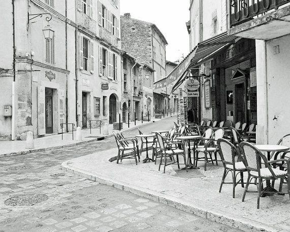 Foto de café francés, fotografía blanco y negro, Francia, pueblo, aldea Europea, decoración de la cocina, restaurante, fotos de viajes, Fine Art Print