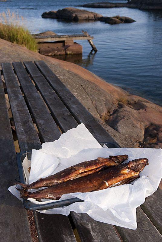 Savukala on mielestäni maukkain tapa saada oikeasti hyvää kalaruokaa erittäin pienellä vaivalla ja riskillä. Muutaman niksin kun pitää mielessään,
