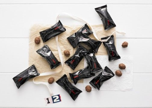 Luke's Chocolate Treats - Luke Mangan is one of Australia's leading chefs and restaurateurs and is highly regarded internationally. Salted Toffee coated Almonds covered in smooth milk Chocolate by Luke Mangan x 12 individually packed  (2 chocolates per pack) 22g (made in Australia)