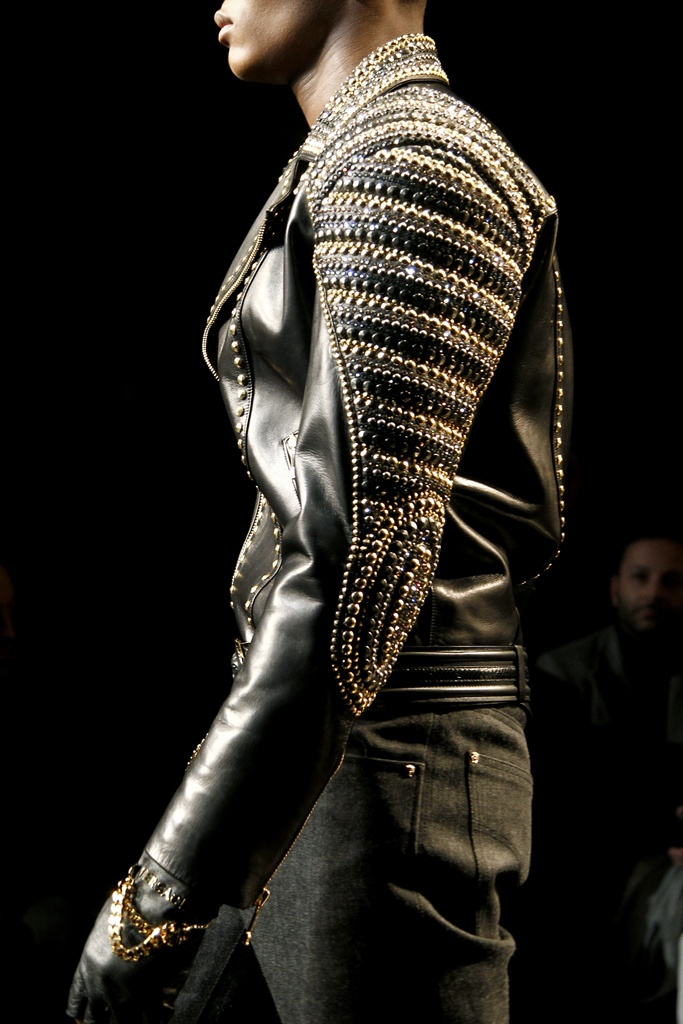 Versace Fall 2012 Menswear Collection Slideshow on Style.com