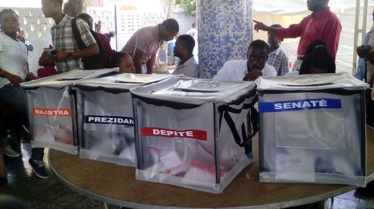 Autoridades haitianas y observadores satisfechos con elecciones; Comienza recuento de votos