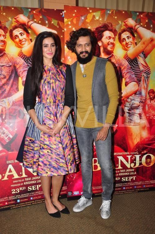 Riteish Deshmukh and Nargis Fakhri clicked during Banjo promotions