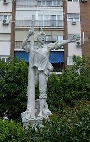Rodrigo de Triana fue un marinero español de finales del siglo XV, tripulante de una de las carabelas de Cristóbal Colón en su primer viaje del descubrimiento de América. Según la historiografía, gritó ¡tierra! cuando avistó el que luego sería el Nuevo Mundo.