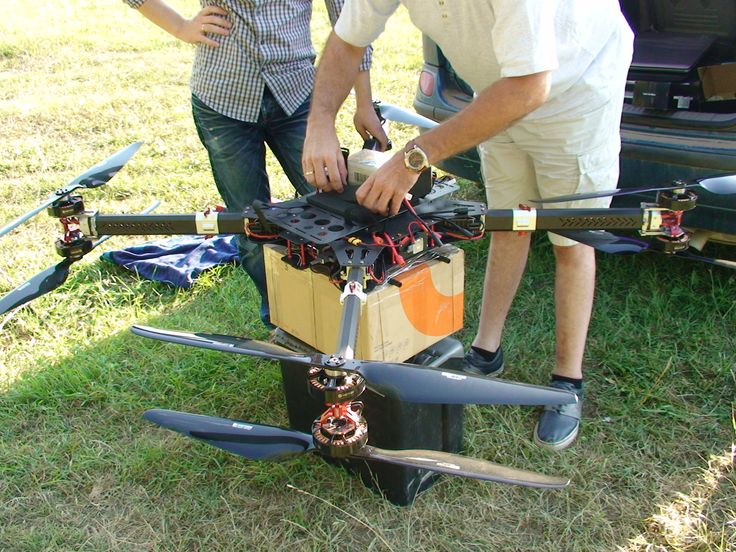 We are a manufacture of drones and FPV systems. Our specialization is to build personnel configuration. Tell us for what you gone use it and we tell you what you need. Our web site Dronada.com is Powered by Drone UAV FPV Consulting SRL-D.
