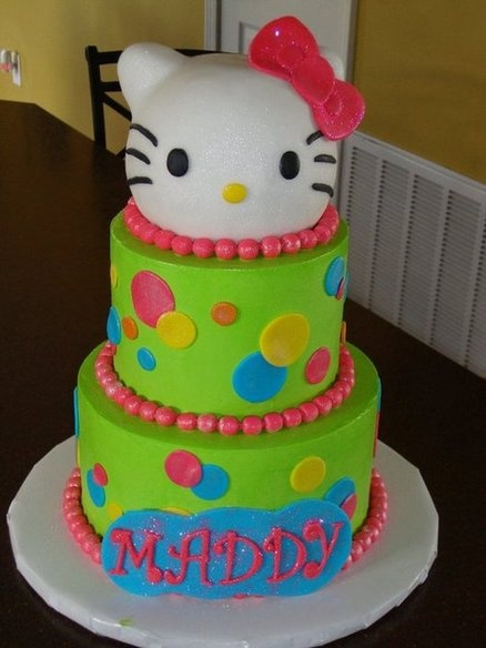 Lime Green Hello Kitty Cake. Maybe do in purple instead of green for Izzy's 2nd bday in Nov :)