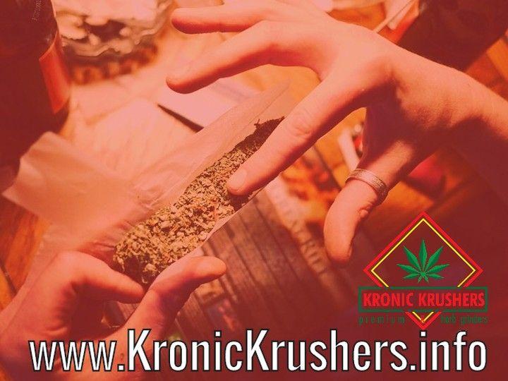 Kronic Krushers RED Best Grinder for Weed Tobacco Marijuana & Herb| Durable Zinc Alloy |4 Parts Hand-Grinder Magnetic Cap Free Vape Pen Dry Herbal Vaporizer |2oz Stash Jar  #weedgirls #420 #snoopdoggvape #freetitan1 #vapepen #weedvaporizer #lilwayne #weedporn #weed #cannabis #vaporizerpen  #maryjane #bestvaporizer #freevaporizer #vaping #maryjane #herbgrinder #420girls #weedstagram #hiphopweed #igotthekeys #drake #djkhaled #booty #weedquotes #vapesale #weedgrinder #weedgrinders…