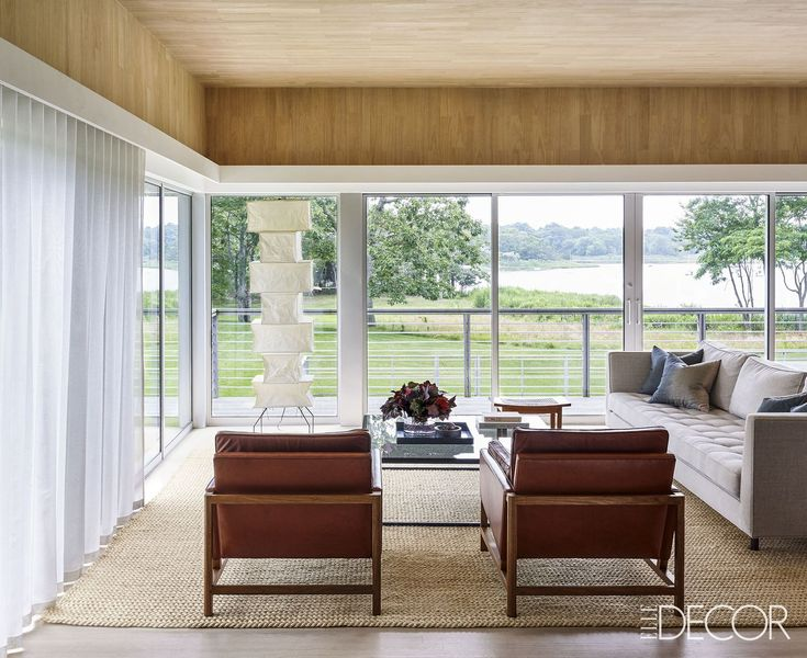 Linen Sofas and Leather Lounge Chairs - ELLEDecor.com