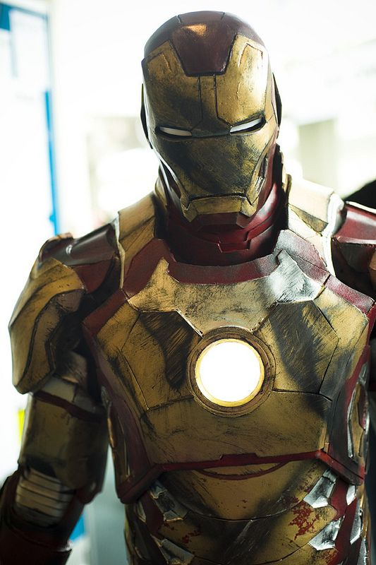 Iron Man cosplay. Can you believe this is cosplay?!?!//THIS IS A COSPLAY???//I ALMOST SCROLLED PAST BUT THEN I READ THE DESCRIPTION!!!