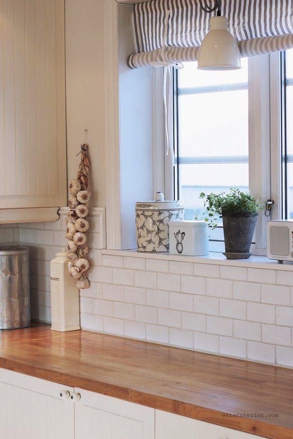 EKTE INTERIØR: Vårlig og luftig på kjøkkenet!