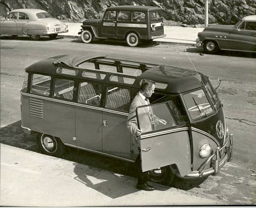 Vintage 1954 23-window VW Bus Split Screen.   The 1st generation of Volkswagen buses (1949-1967) was known as the split-window or Type 2. With success & growing demand, VW produced the Deluxe microbus in '51 that featured 15 windows & the option of a cloth sun roof which added 8 sky light windows resulting in a 23 or 21 window bus nicknamed the Samba