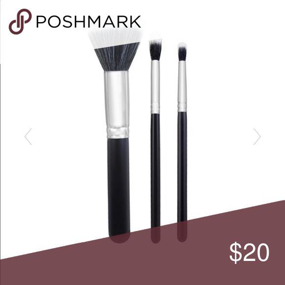 Morphe Duo Fibre Brush Set Never been used. Set of 3 brushes. Still in plastic wrap. morphe Makeup Brushes & Tools