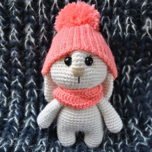 Adorable Bunny Amigurumi with Hat - Free Pattern