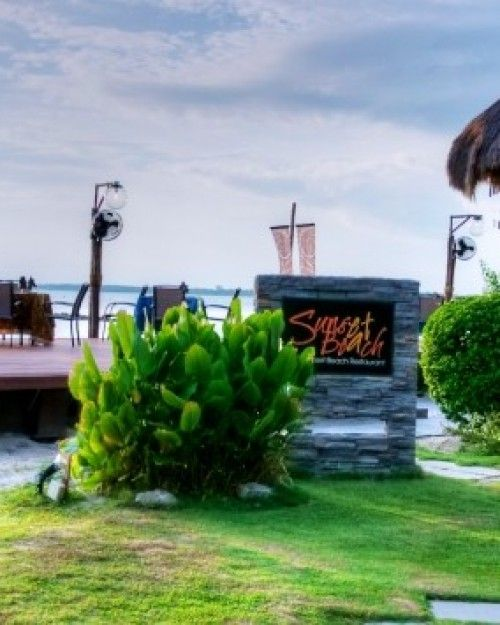 Grab a post-dinner drink at the Sunset Beach Lounge and gaze out to the Strait of Malacca.