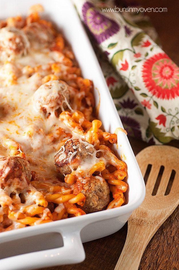 Hühnchen-Parmesan-Fleischbällchen-Auflauf