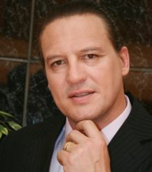 Hire / Book Wolfgang Riebe Professional Business Speaker and MC Masters Of Ceremony, Business, Motivation President: Professional Speakers Association SA: Cape Town Chapter Best Selling Author on inspiration...  For more info visit: http://eventsource.co.za/ads/hire-wolfgang-riebe-professional-business-speaker/