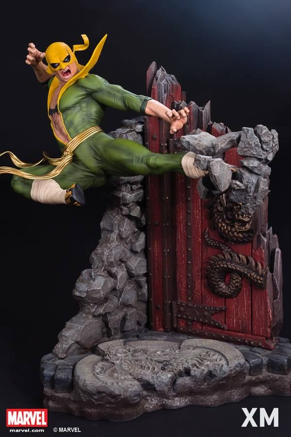 PO opens this Friday, 7th April at 00:00 (That's Thursday midnight leading to Friday Singapore timezone). Retailing at SGD990 ES800, Iron Fist is sculpted by the amazing Daniel Bel! Featuring 2 display options (with top costume or bare chested), the Kung Fu Master is captured in glorious XM 1/4 Premium Collectibles format, executing a rock-smashing, devastating flying kick. As a bonus, XM is also throwing in a BONUS light up fist effect (final photos to be revealed later). Heee yah!