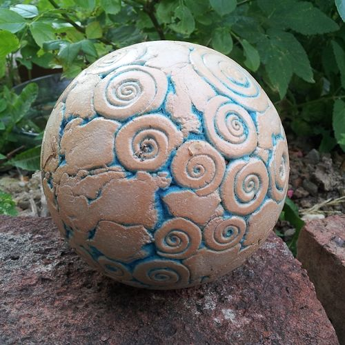keramik kugel von isi clay garden pinterest kugeln keramik und gartenkugeln. Black Bedroom Furniture Sets. Home Design Ideas