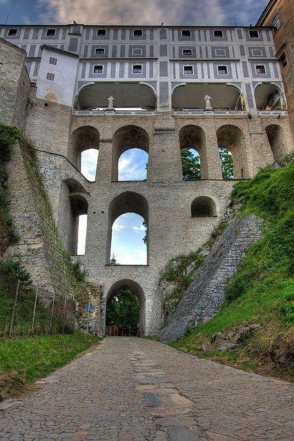 PINTEREST.COM-CZECK REPUBLIC CASTLES | architecture / Castle Bridge, Český Krumlov - Czech Republic