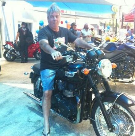Triumph Bonneville T100 Black 2012