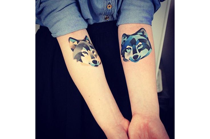 Wolf People   16 Minimalist Tattoos That Celebrate Nature And The Outdoors
