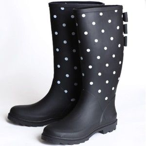these are so cute!! polka dots and bows in the back!! :)