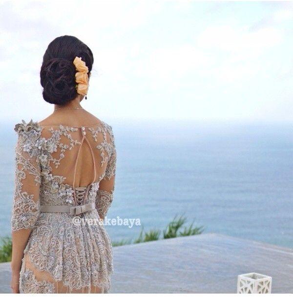 Sexy back @Vera Anggraini