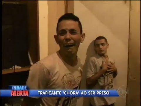 Bebê chorão! Marmanjos choram feito criança ao serem presos +http://brml.co/1Bbh34z
