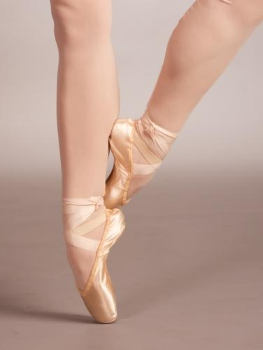 Fun Facts About Dance [Slideshow]  Yes, that is a very fun fact about dance. Sur le coup de pied should always be done with the foot half wrapped!