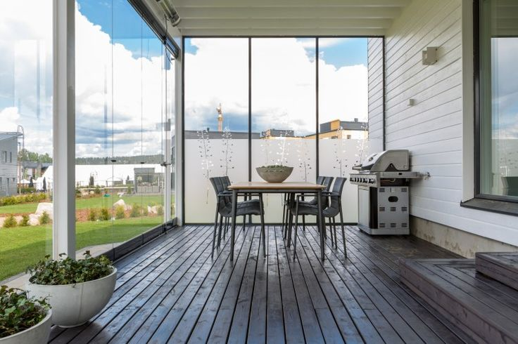 Dale Vida a Tu Terraza con el sistema Cierre de Cristal Plegables Lumon, con diseños vanguardistas, elegante y con vista panorámica. Conoce nuestro catálogo.