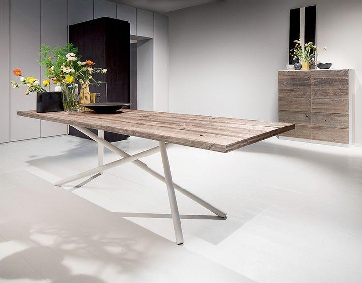 Immagine di SHANGHAI, tavoli dal design pulito