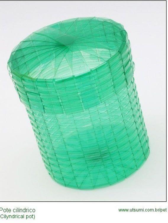 São 38 idéias de artesanato com garrafa PET! Fotos e imagens de trabalhos reciclados para sua inspiração! Se faça artesanatos com reciclagem de garrafas!
