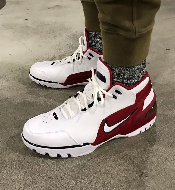 A closer look at the Nike Air Zoom Generation worn by  </div><div class=
