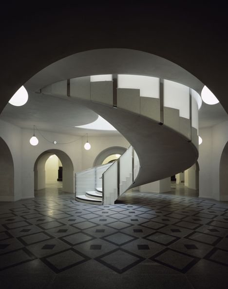 Spiral staircase at Tate Britain by Caruso St John - Lower level rotunda with spiral staircase