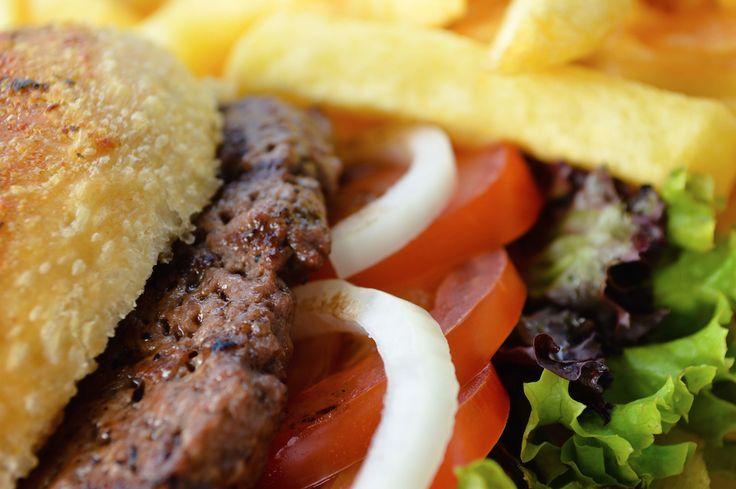 Wie heeft hier nou geen zin in!? #hamburger #friet #laplace