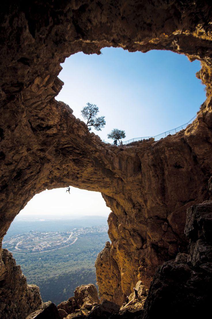 Ofer Blutrich climbs Icarus(8a/5.13b) , Keshet Cave, Israel