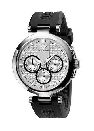 Montre ARMANI femme, bracelet en caoutchouc noir, boîtier acier argenté, cadran noir avec fonction date, style fashion.