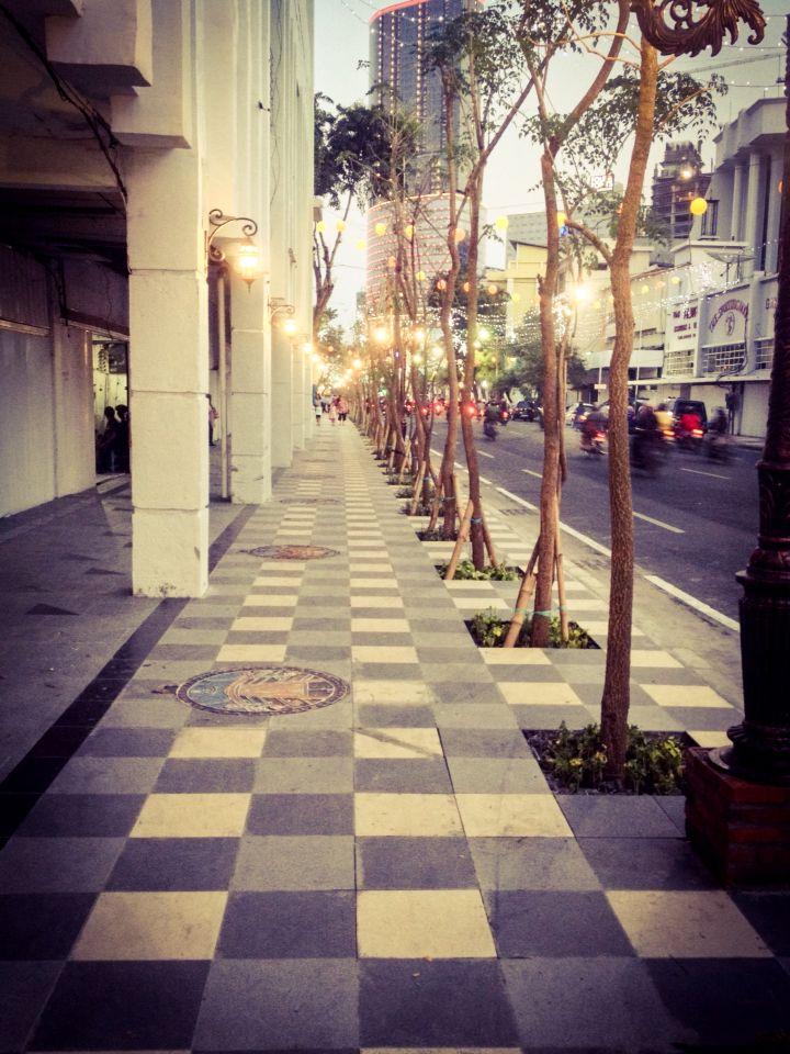 Tunjungan street