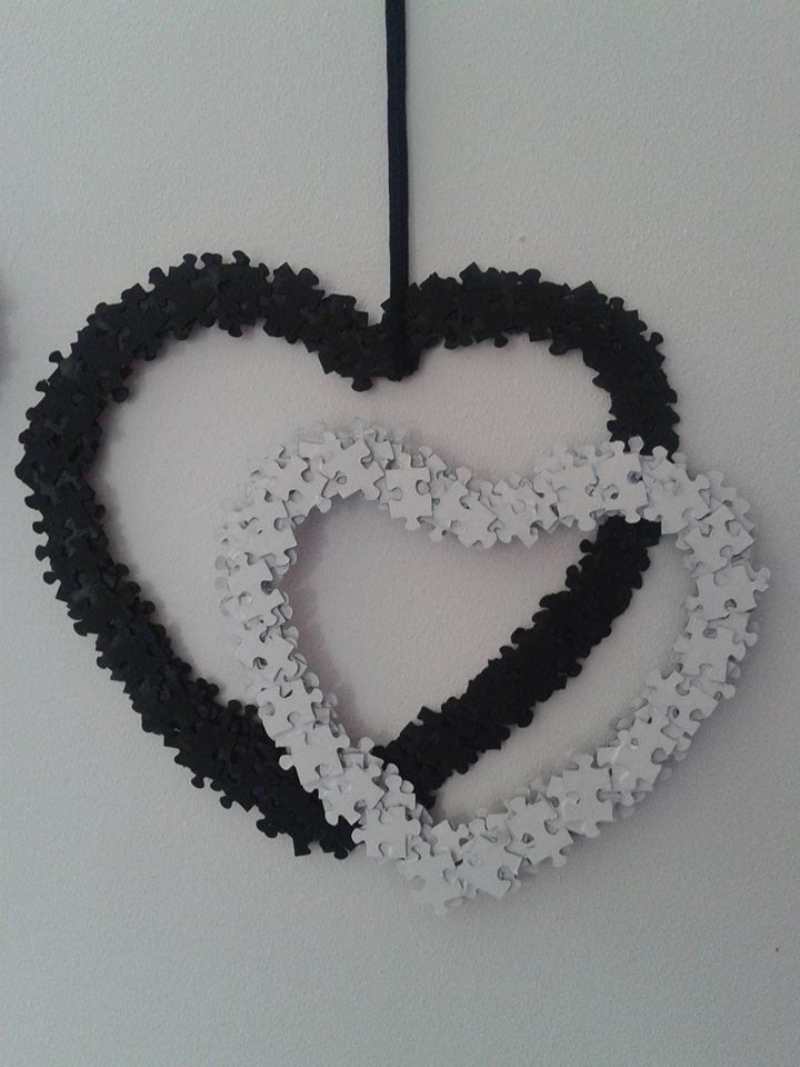 Black and white puzzle wreaths