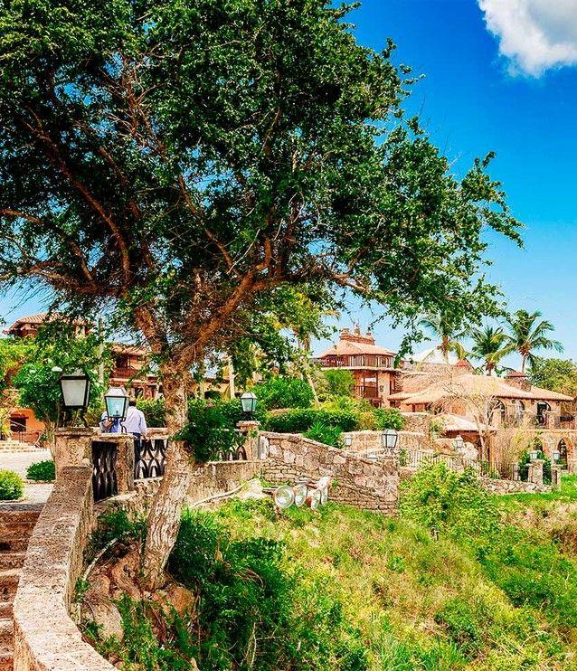 Atos de Chavón, República Dominicana Peru Ecuador, Places To Travel, Places To Visit, Zona Colonial, Caribbean Sea, How To Speak Spanish, Future Travel, Jurassic World, Dominican Republic