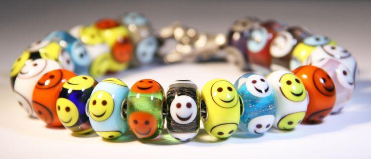 Smiley by Anne Meiborg. fit Trollbeads. www.annemeiborg.etsy.com