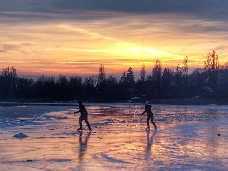 """""""For small creatures such as we the vastness is bearable only through love"""" -Carl Sagan.  So, even if you have to chase someone on skates on the ice at sunset, find """"Somebody to love"""" and sing along..  Happy Valentine's Day!  .  .  #love #valentine  #winter #snow #ice #clouds #reflection #sunset #freeze #LakeConstance #LagoDeConstanza #Bodensee #Untersee  #Germany #Alemania#Deutschland  #kodakpixpro"""