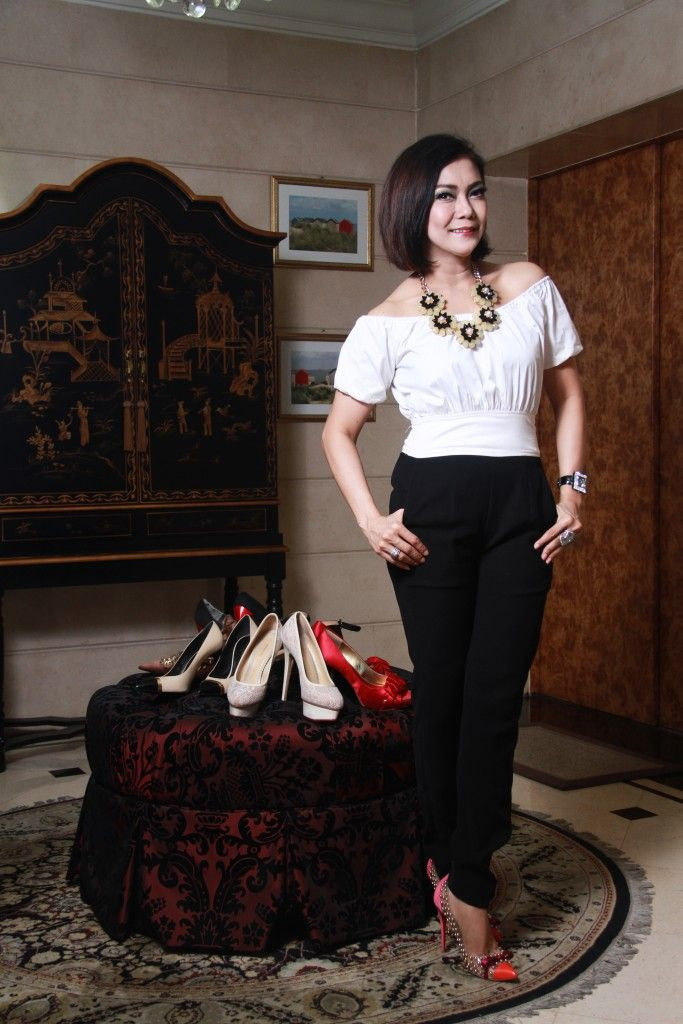 Yulie Nasution Grillon: Tak Selalu Mengikuti Trend  See full article at www.womensobsession.com      Photography by Fikar Azmy  Written by Silvy Riana Putri Designed by Martias Herini   #womensobsession #magazine #obsessionmediagroup #shoes #sepatu #design #fashion #walkingcloset #september #2015 #jakarta #indonesia