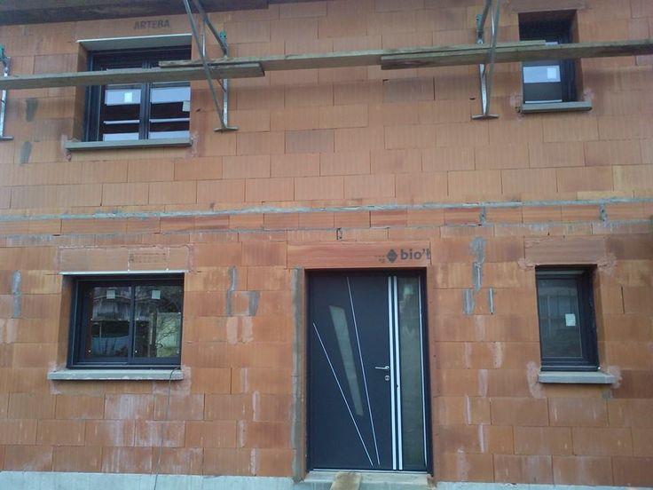 En pleins travaux! Remplacement d\u0027une fenêtre par l\u0027agence Arteba - pose d une porte d entree