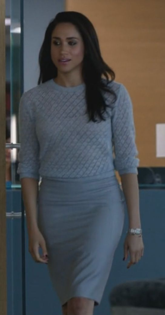 Rachel Zane - Like how she paired a pencil skirt with a textured sweater.
