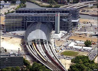 Berlin Hauptbahnhof is completed now and takes it's place as Europe's largest railway station: