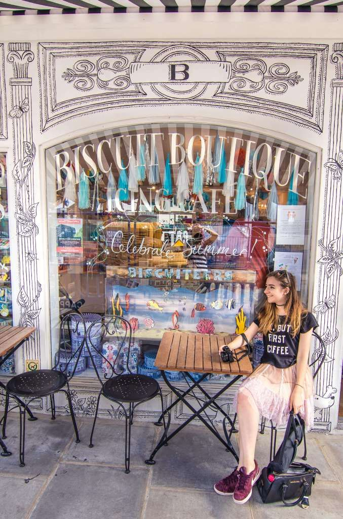 Cutest Cafés in London, England: Biscuiteers, Notting Hill, London, England