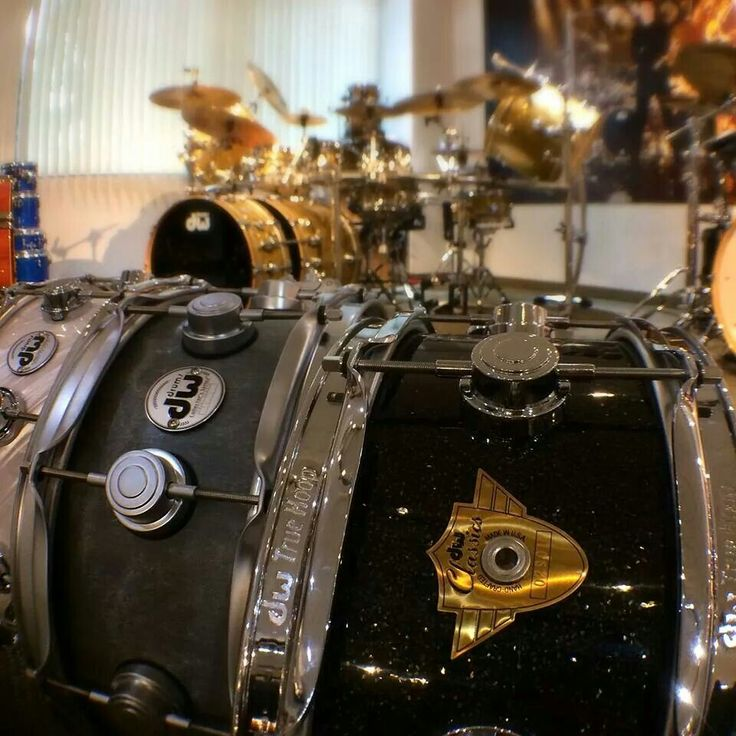 Best DRUMS Images On Pinterest Drum Sets Musical - Street drummer uses nothing more than scrap metal to creating amazing techno beats