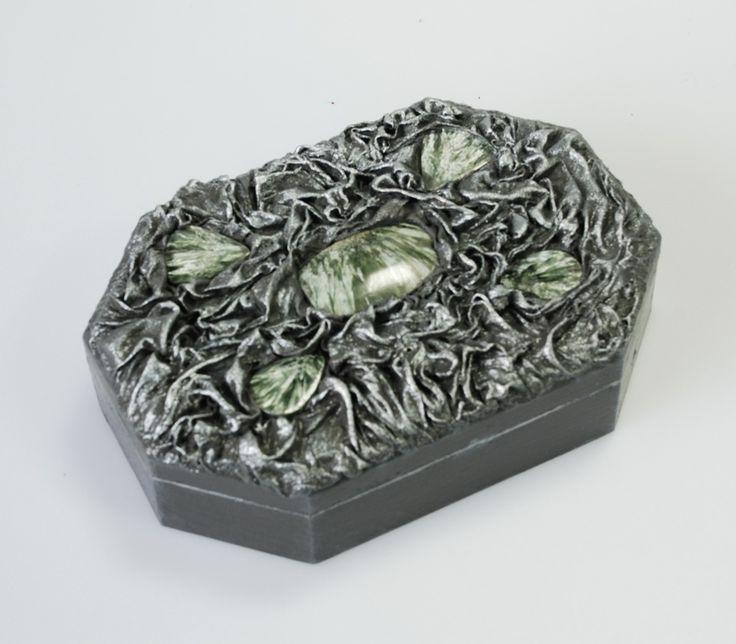 Шкатулка с серпентинитами(натуральные камни)